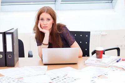 Девушка на нелюбимой работе