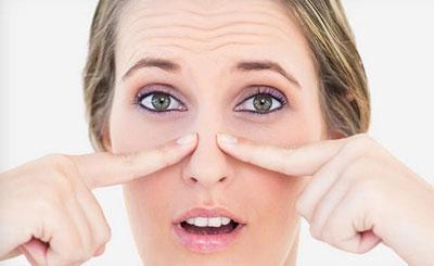 Припухлость около пазух носа