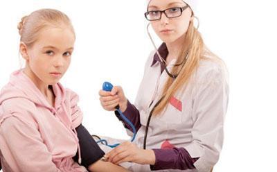 Измерение давления ребенку
