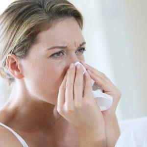Уменьшает заложенность носа
