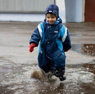 Ребенок промок