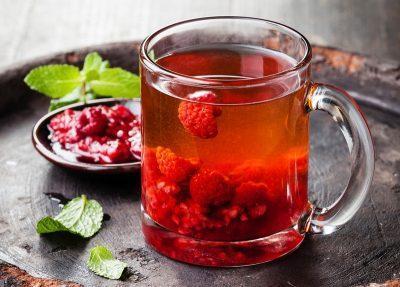 Чай с малиной и бузиной