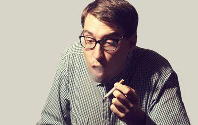 Курильщик кашляет