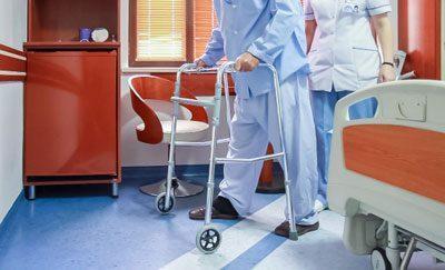 Пациент встал на ноги после операции