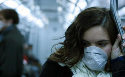 Медицинская маска во время эпидемии гриппа