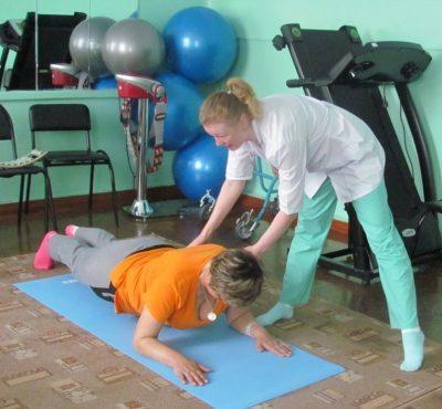 Инструктор по лечебной физкультуре