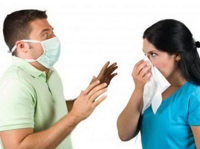 Как передается пневмония: группа риска, пути передачи и заражения, как переносится, воздушно-капельный способ, контактный, бытовой, фекальный, профилактика заболевания