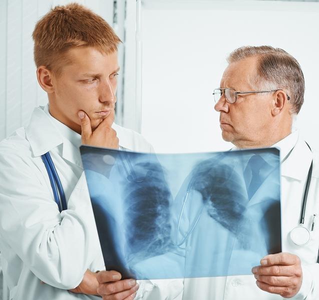 Опасна ли для окружающих пневмония