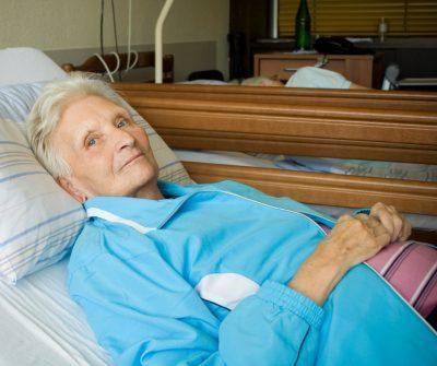 Бабушка в больнице