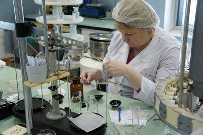 Изготовление лекарства в аптеке