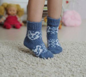 Шерстяные носки у ребенка
