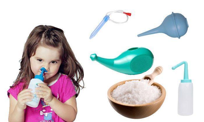 Промывание носа солевым раствором ребенком