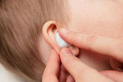 Фурацилиновый спирт в ухо ребенку до года — Простуда