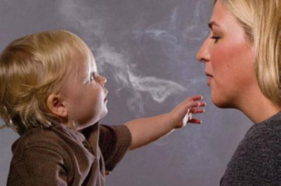 Курение возле ребенка