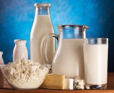 Не следует употреблять молоко и молочные блюда