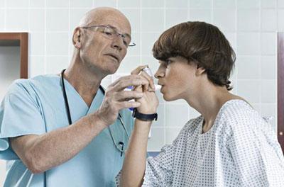 Помощь во время приступа астмы