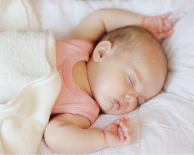 Сонный грудничок