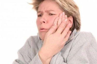 Боль в щеке