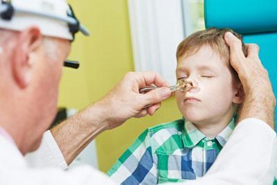 Осмотр носа лор-врачом