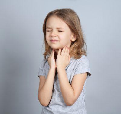 Боль и першение в горле