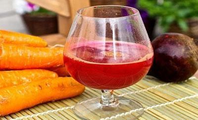 Сок из свеклы и моркови