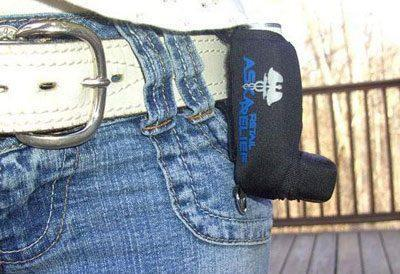 Ингалятор на поясе брюк