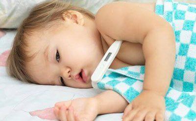 Измерение температуры у ребенка