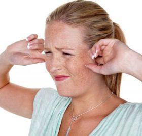 Причины и лечение писка в ушах