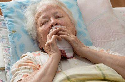 Больная кашляет